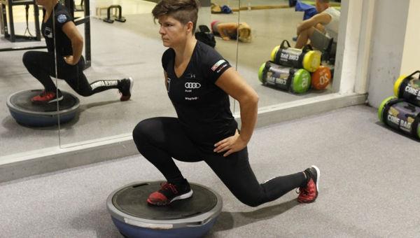 Kitörés Balance Trainer félgömbre