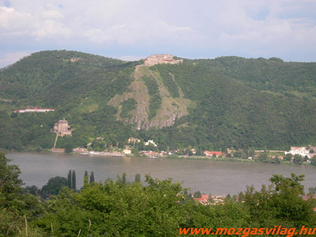 Visegrádi oldal Nagymaros felöl.