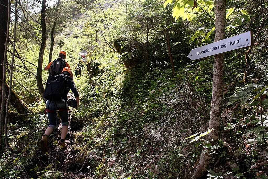 Kala ösvény balra fel. ForrĂĄs: www.mozgasvilag.hu