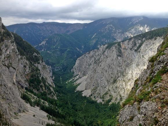 A völgy képe a ferráta ösvényről. ForrĂĄs: www.mozgasvilag.hu