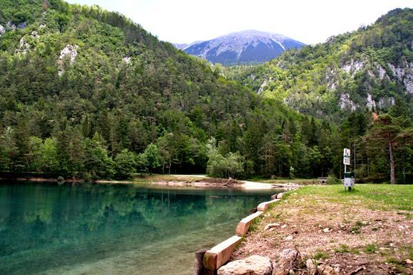 Távolban a Stol hegy csúcsa. Forrás: www.mozgasvilag.hu