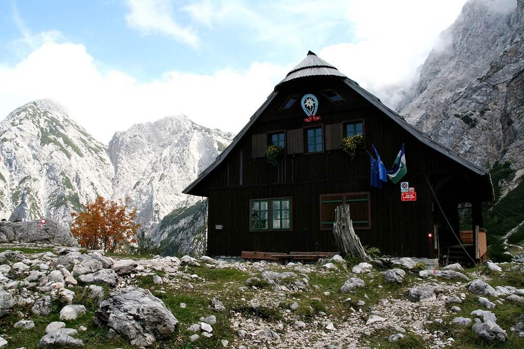 Az 1542 m magasan található Češka koča menedékház. Forrás: www.mozgasvilag.hu