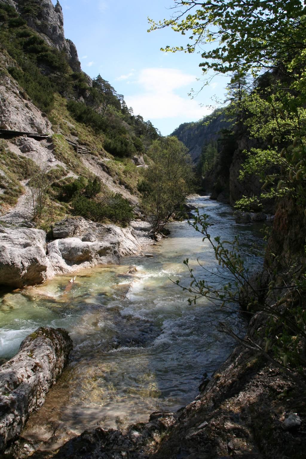 A szurdokvölgy képe Forrás: www.mozgasvilag.hu