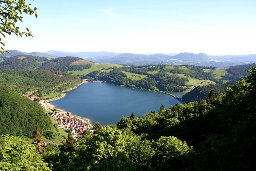 Alant az Imrikfalvai tó Forrás: www.mozgasvilag.hu