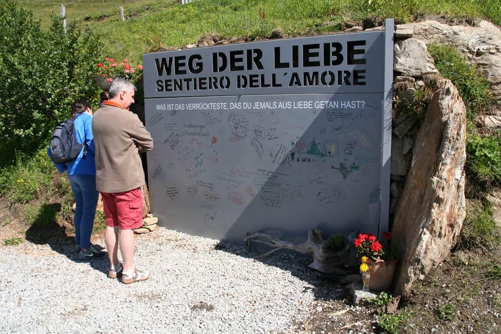 A Weg der Liebe szerelmes fala Forrás: www.mozgasvilag.hu