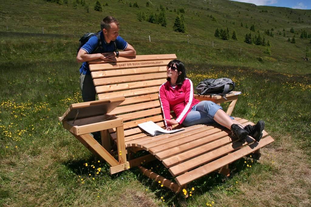 A Weg der Liebe első szerelmes padja Forrás: www.mozgasvilag.hu