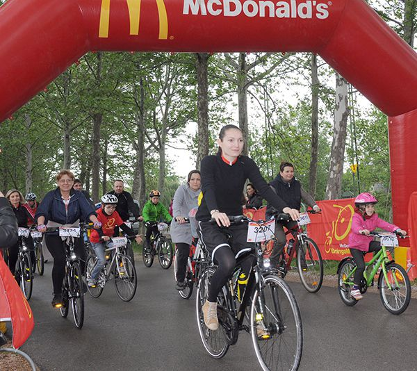 McDonald's BringaMánia Balatonkör Forrás: Vuelta Sportiroda