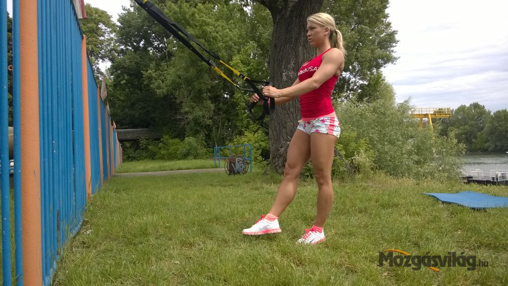 Single Leg Squat - Kezdő pozíció Forrás: Mozgásvilág.hu