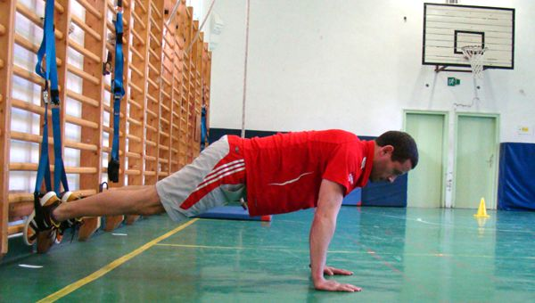 Suspended atomic push-up Forrás: Teamworkout.hu