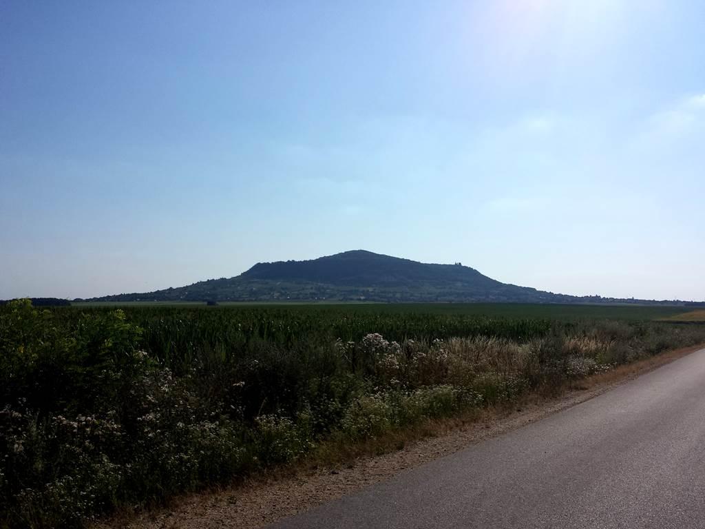 Somló-hegy a távolban Forrás: www.mozgasvilag.hu