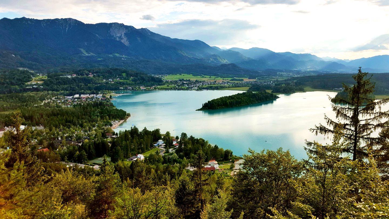 Faaki-tó madártávlatból Forrás: www.mozgasvilag.hu