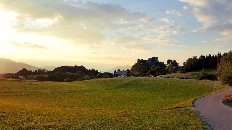 Úton a Finkenstein várhoz Forrás: www.mozgasvilag.hu