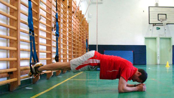 Pike with hip abduction Forrás: Teamworkout.hu