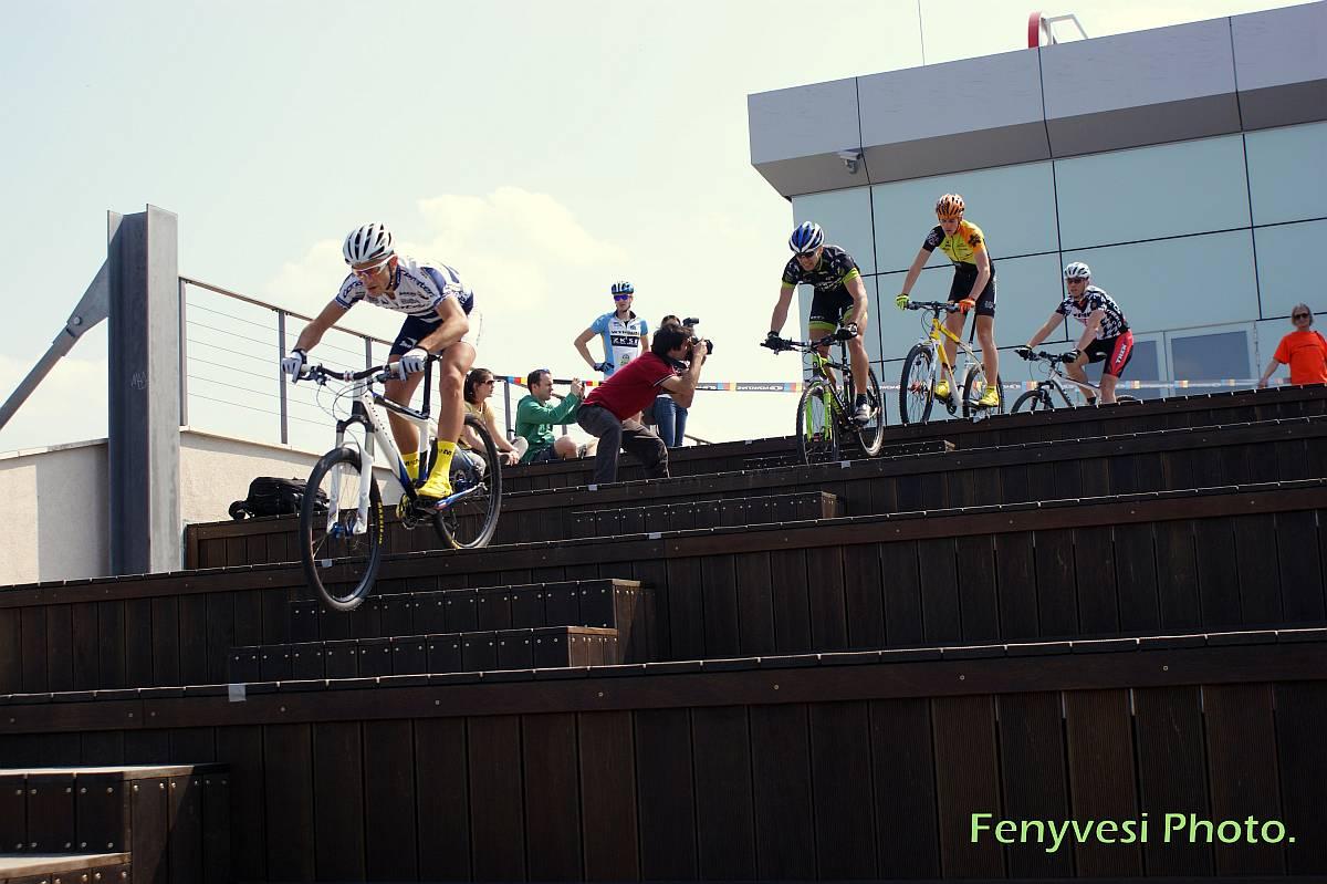 80688-urban-cross-bike-lepcso-dh_1200x800.jpg