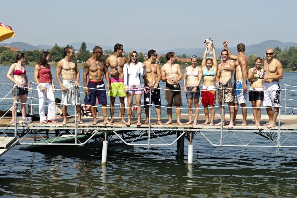 81814-A-wakeboardos-kajak-kenu-csapat.jpg