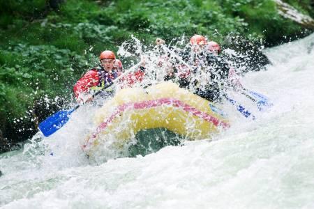 82469-rafting.jpg