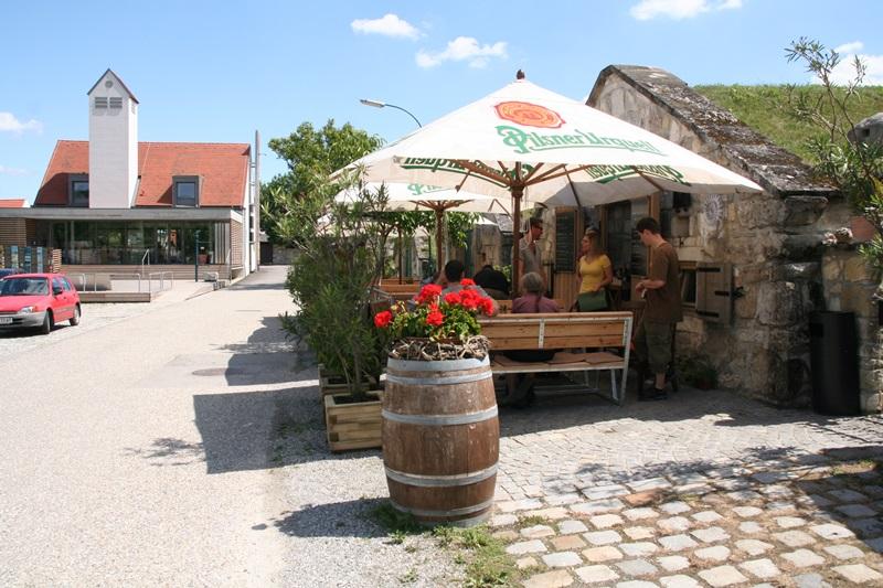 A vinotékánál Purbach-ban