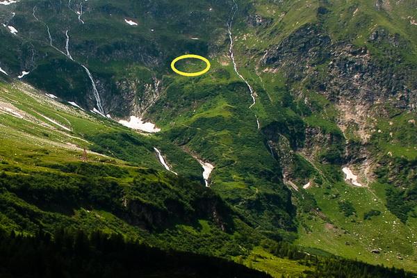 Az Erfurter Weg eleje, sárgával bekarikázva a kicsúszás helye Forrás: Pintér László