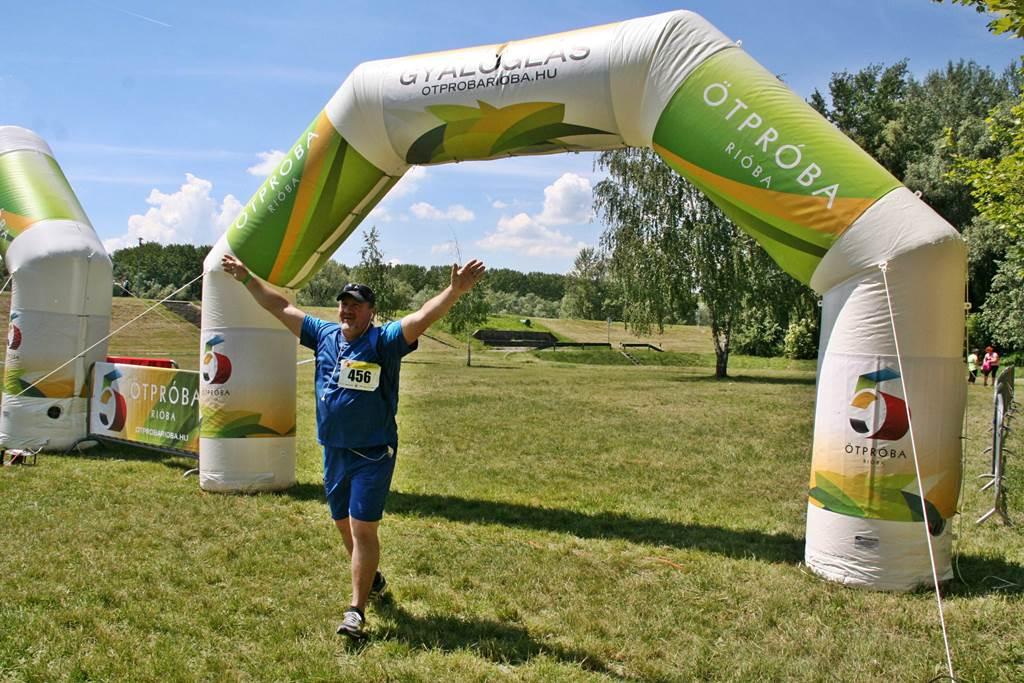 Gyalogló befutó a célban Forrás: www.mozgasvilag.hu