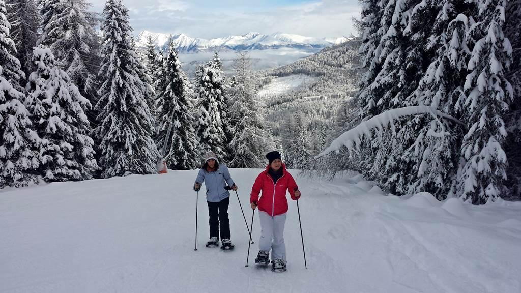 Hótalpazás a friss hóban. Forrás: www.mozgasvilag.hu