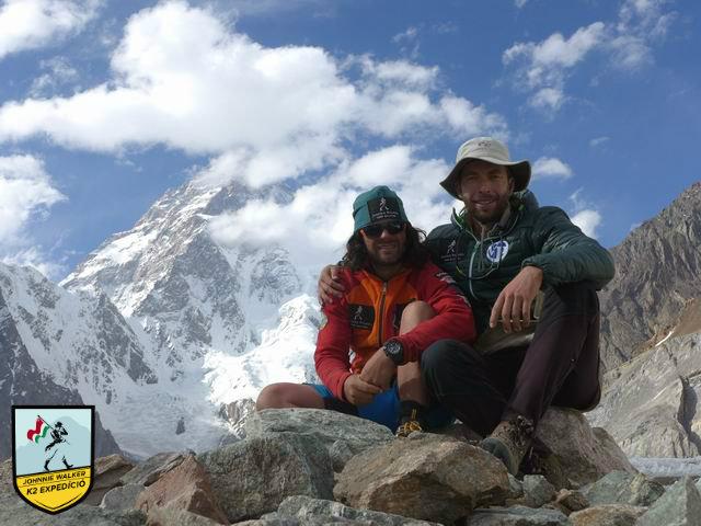 Dávid és Szilárd a K2 előtt Forrás: Johnnie Walker K2 expedíció