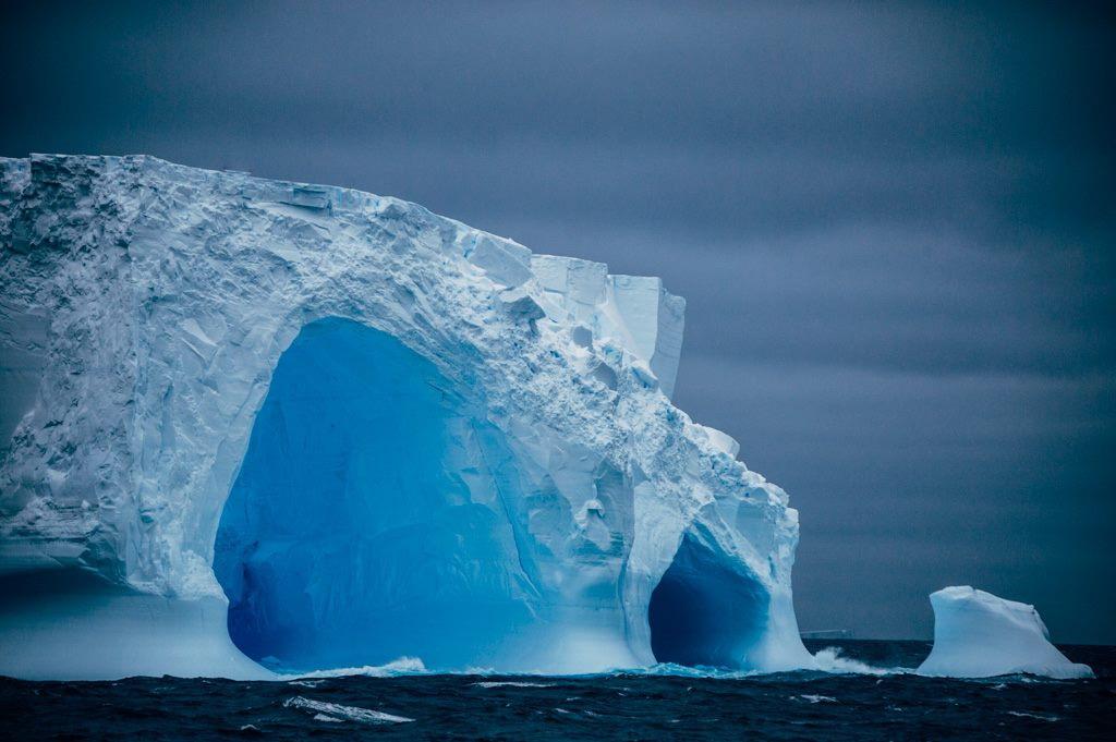 Gigászi jéghegyek az Amundsen-tengeren Forrás: Kelvin Trautman