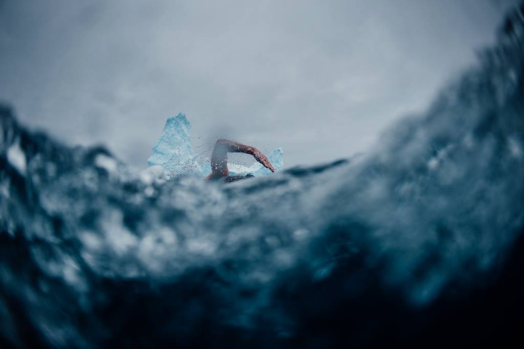 Amikor a -1,7 Celsius fokos vízben melegebb van, mint odakint.... Forrás: Kelvin Trautman