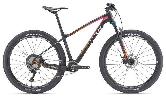 Liv Obsess Advanced 2 karbon hardtail XCO verseny kerékpár