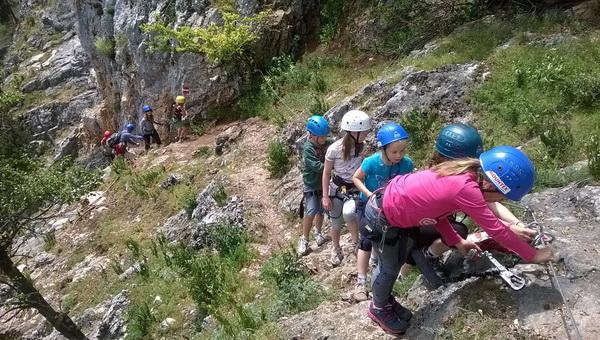 Gyermekek a klettersteigon Forrás: Monostori András - Mountex Adventure