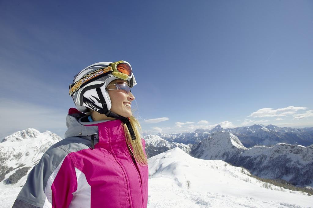 Méteres hó, szikrázó Napsütés - Nassfelden több mint 100 órával többet süt a nap mint más síterepeken Forrás: www.nassfeld.at/hu