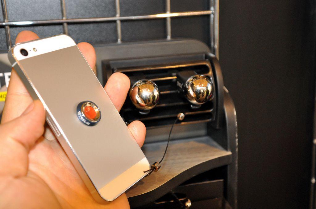 Te is utálod a telefontartód a kocsiban? – NiteIze Forrás: Paraferee - Mozgásvilág.hu
