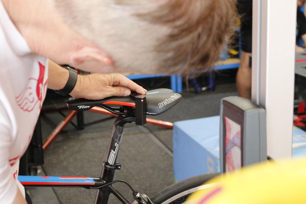 Lézeres kerékpárbeállítás Forrás: Mozgásvilág.hu
