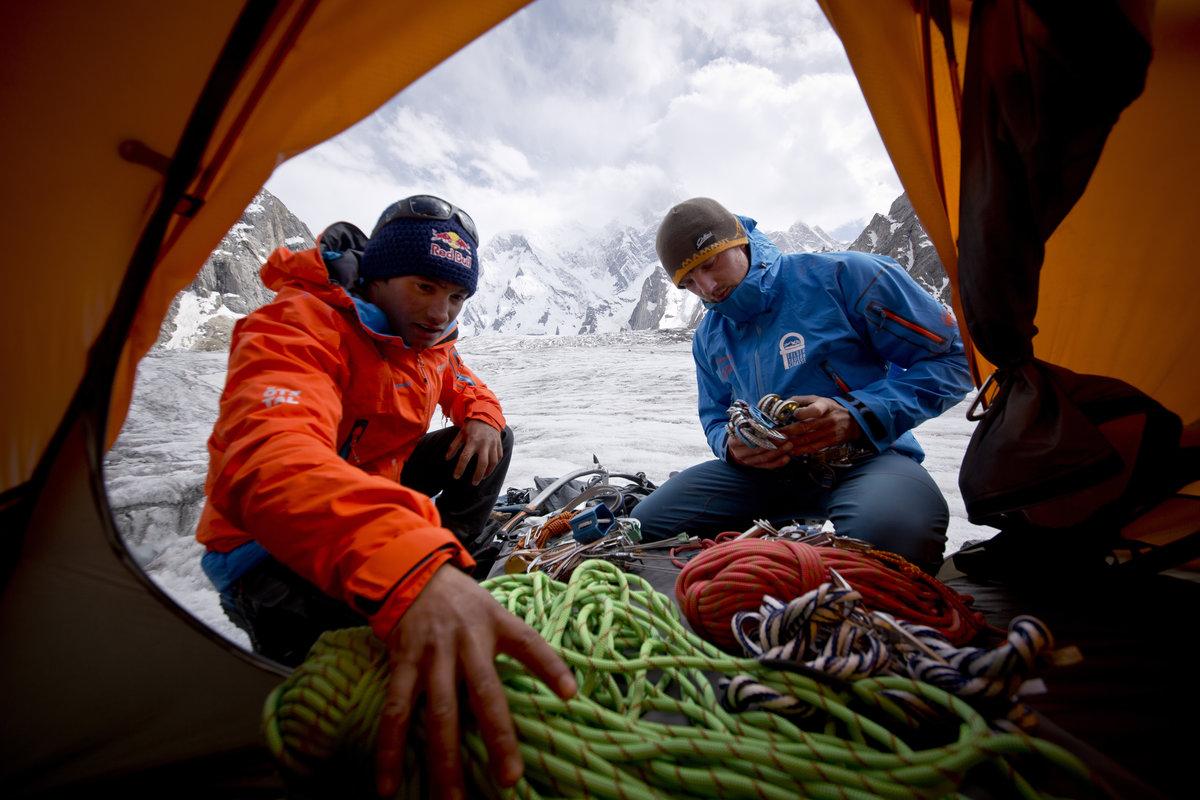 David Lama és Peter Ortner készülődik Forrás: Andreas Gradl/Red Bull content pool