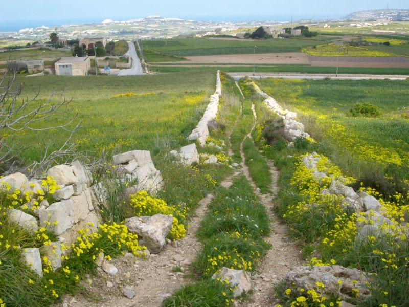 Dwejra Lines Targa Szakadék Forrás: Victoria Lines Malta