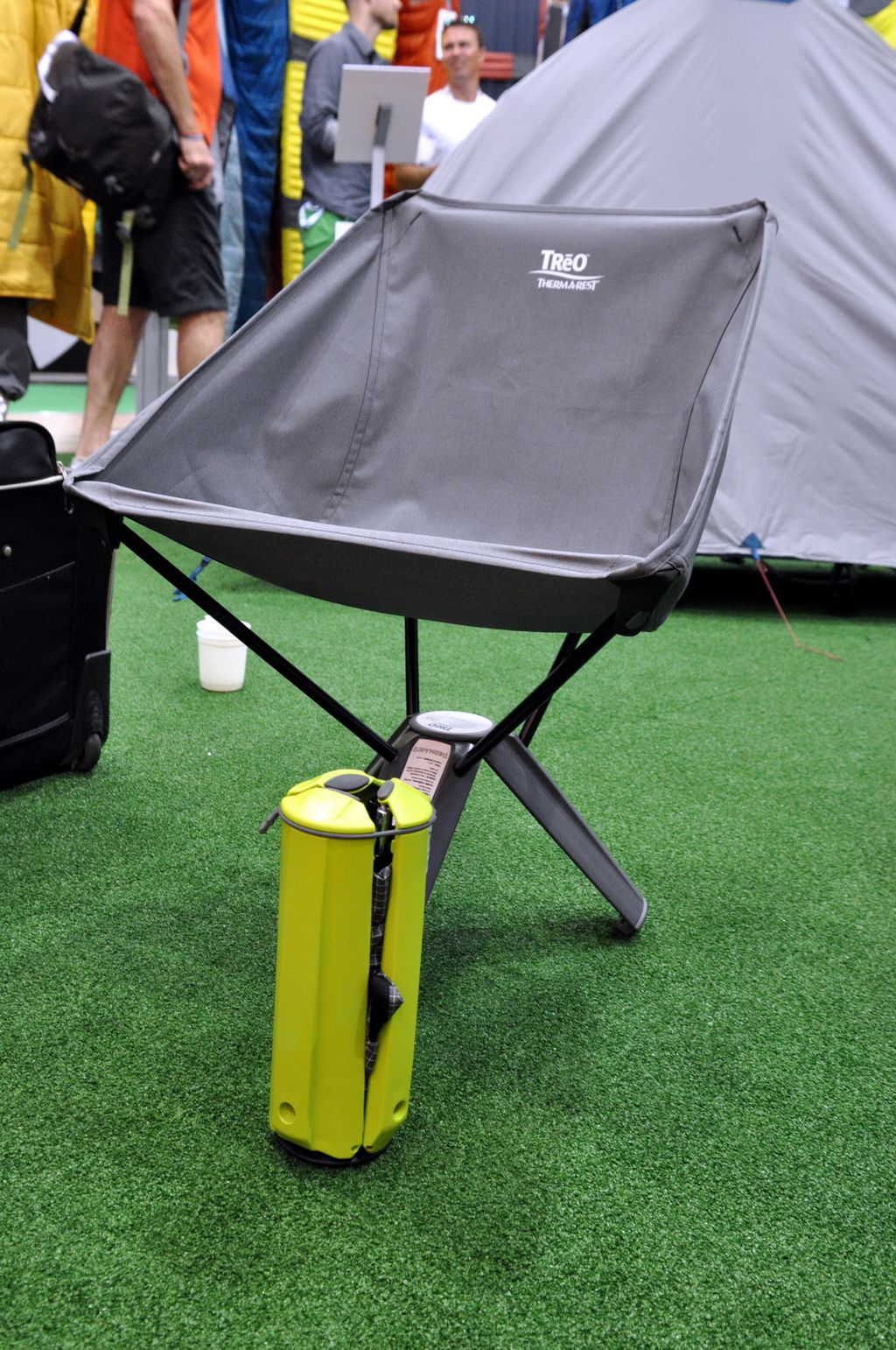Összecsukható szék, másként – Therm-a-rest Forrás: Paraferee - Mozgásvilág.hu