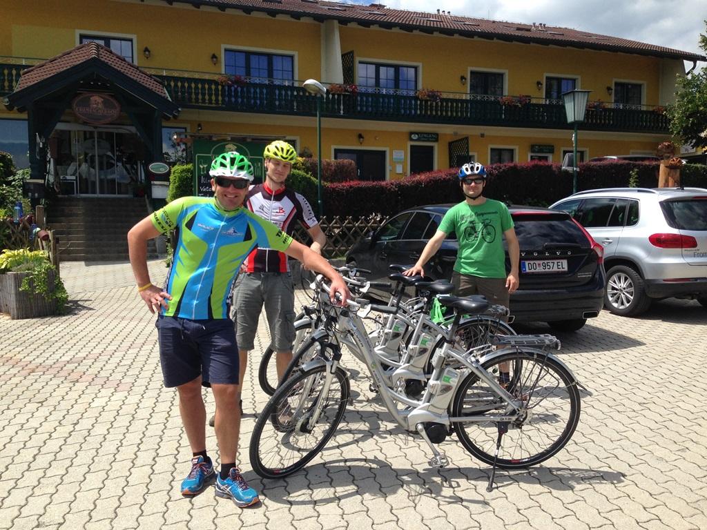 Szállás, kerékpár flottával Forrás: Kakuk András. Mozgásvilág