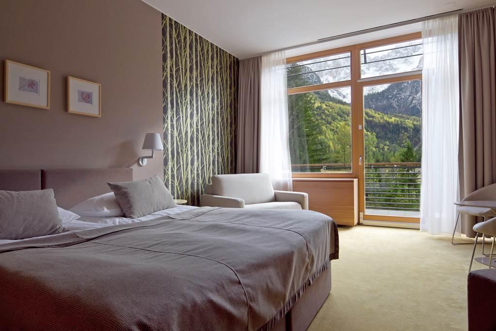 Hangulatos és otthonos szobák kilátással Forrás: www.hitholidays.si/en/hotel-spik