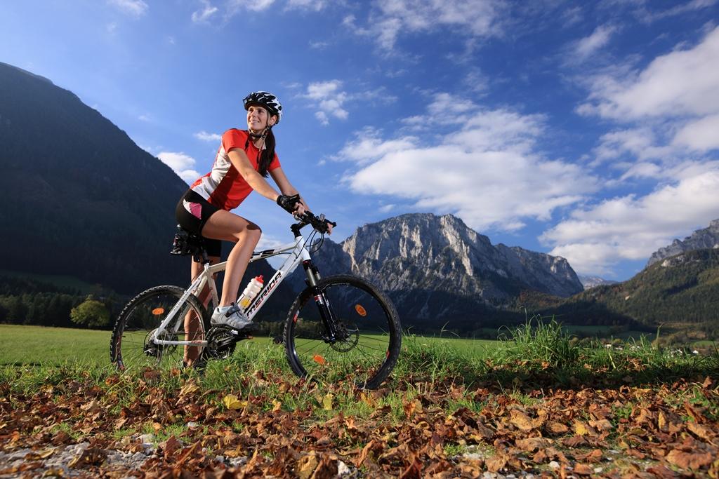 Családi kerékpározás a Mürzer Oberland Natúrparkban Forrás: (c) Harry Schiffer