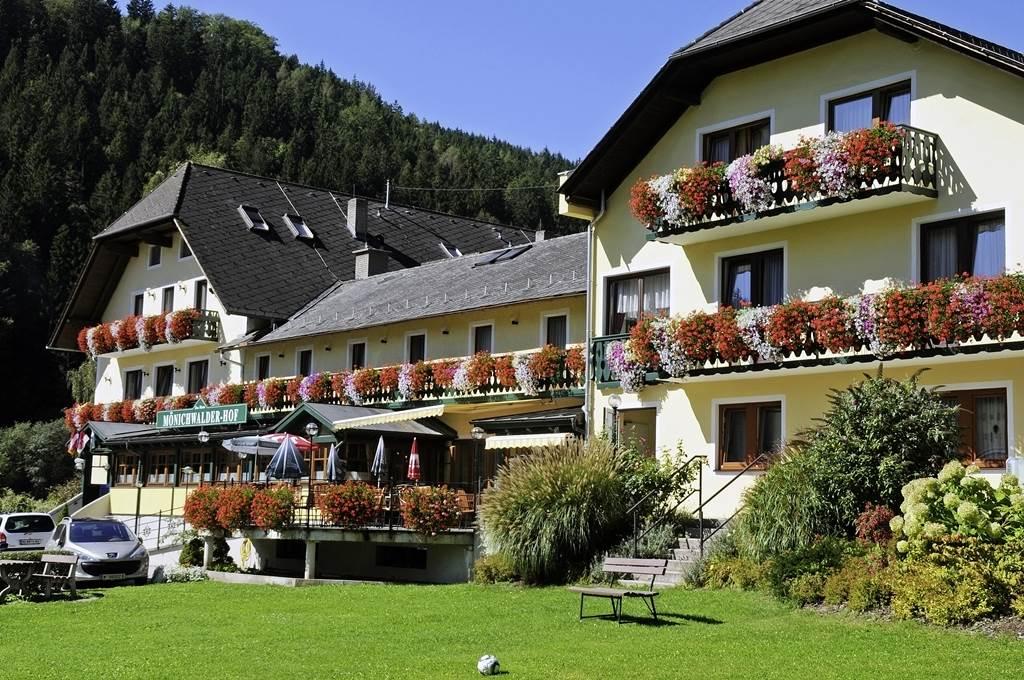 Landhotel Mönichwalderhof Forrás: (c) Tourismusregionalverband Oststeiermark