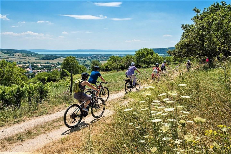Kerékpáros túra a Kis-Balatonnál és a Somogyi-dombságban