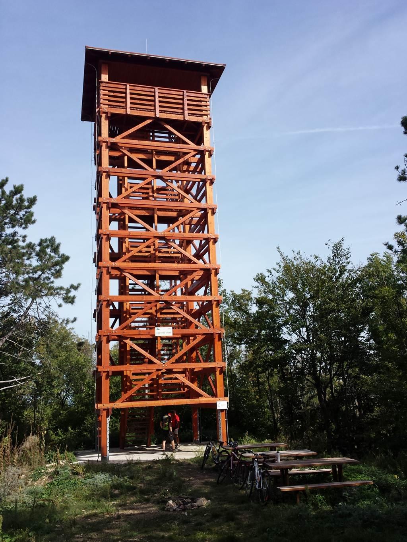 A Láz-hegyi kilátó Forrás: www.mozgasvilag.hu