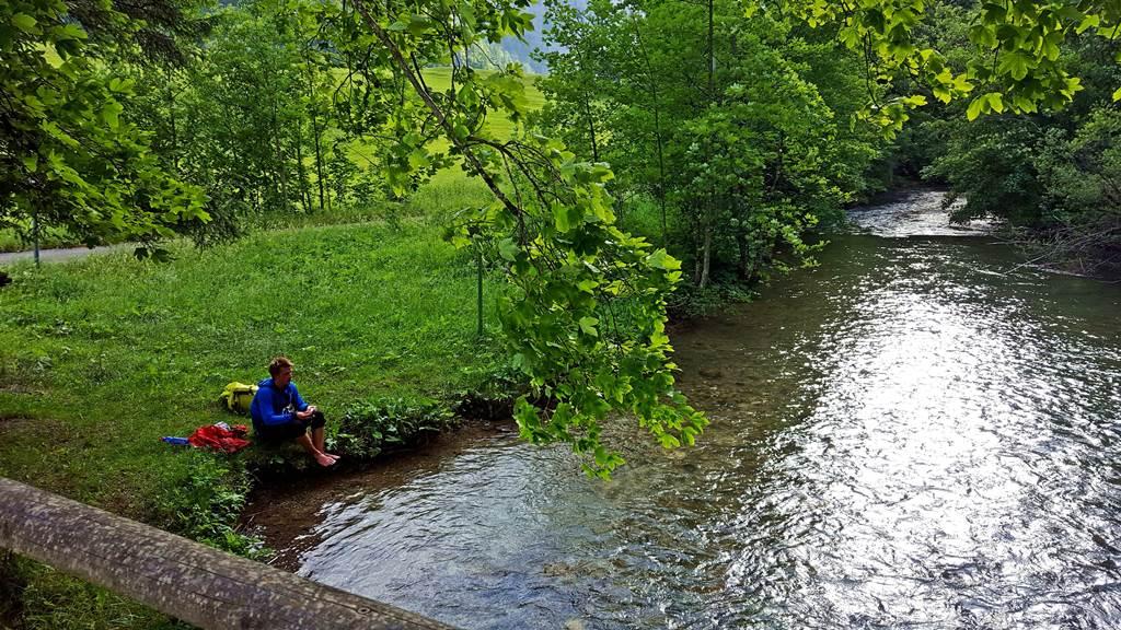 A csendes és sekély Seebach partja remek pihenőhely a fáradt túrázók számára ForrĂĄs: www.mozgasvilag.hu