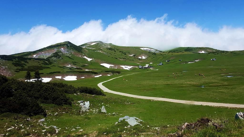 A távolban feltűnik a Michlbauer hütte (magasság 1745 m) ForrĂĄs: www.mozgasvilag.hu