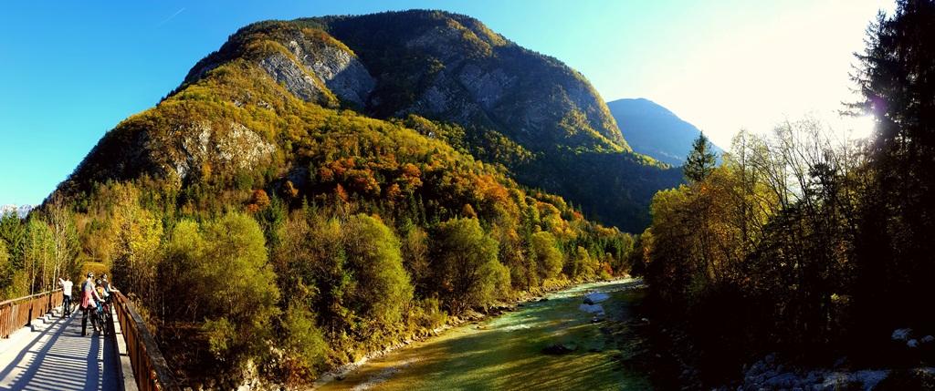 Mesés őszi táj és fények Forrás: www.mozgasvilag.hu