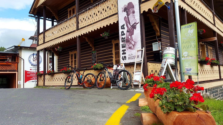 Egy jó kávé még vár a Sherpa caffe-nál! :) Forrás: Mozgásvilág