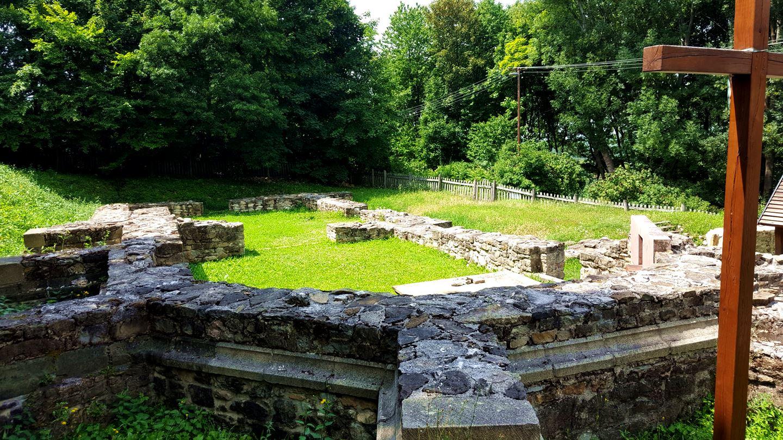 A Szent Kereszt kolostor romjai Forrás: Mozgásvilág.hu