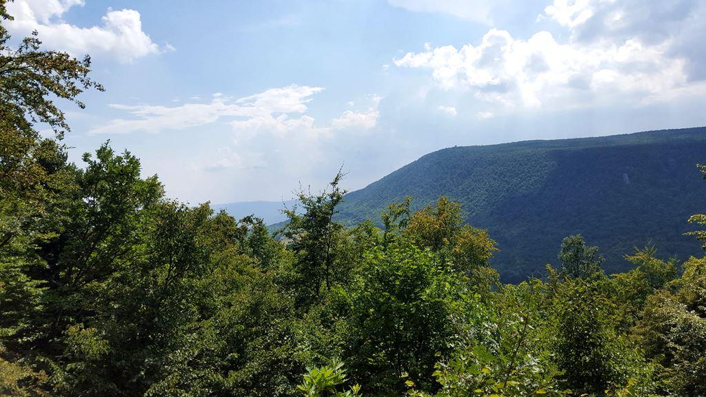 A körtúra jelzés kilátópontja, csodálatos panorámával a Pilistetőre Forrás: Mozgásvilág.hu