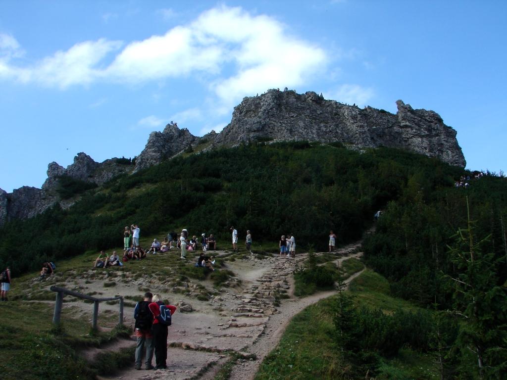 A Palánkos-völgyben az Őzike-sziklára, majd vissza a Fehér-völgyön át ForrĂĄs: Nagy Árpád
