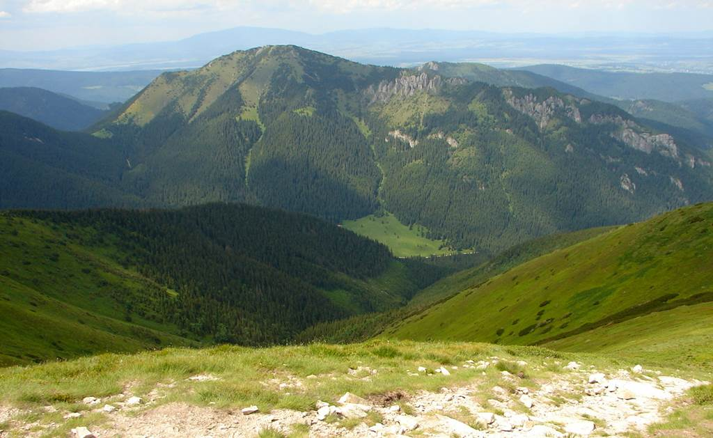 A Szürke-rétről a Koncsisztán át az Ék-hegyre Forrás: Nagy Árpád