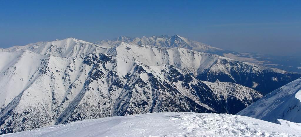 A Zsári-völgy torkolatától a Baranyecre, majd a Zsári-nyeregbe Forrás: Nagy Árpád